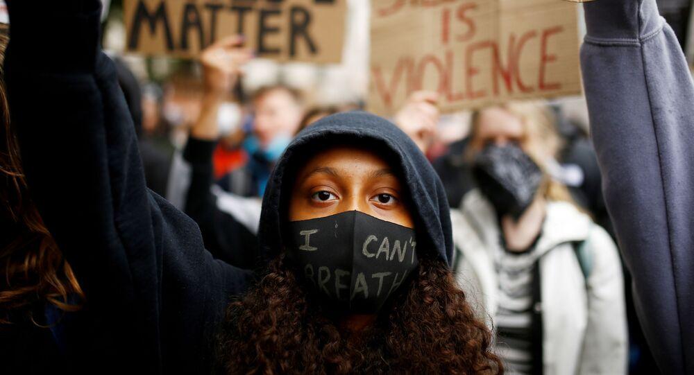 Protesta contra el racismo y la violencia policial tras la muerte de George Floyd