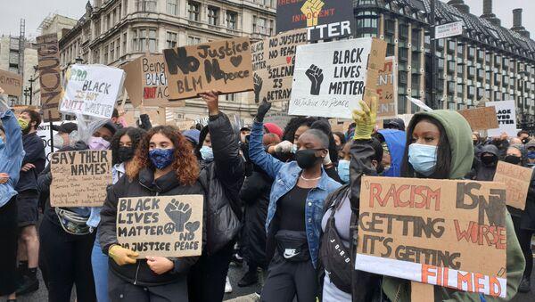 Las protestas del movimiento Black Lives Matter en Londres  - Sputnik Mundo