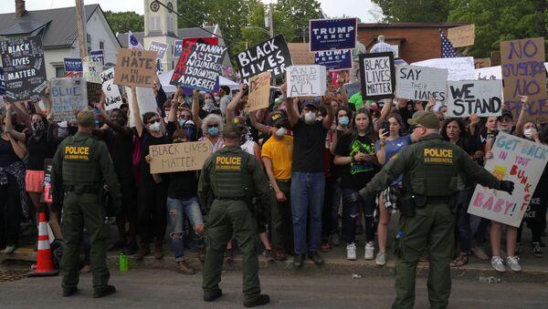 Protestas contra la violencia policial en EEUU - Sputnik Mundo