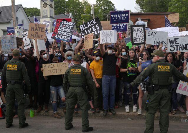 Protestas contra la violencia policial en EEUU