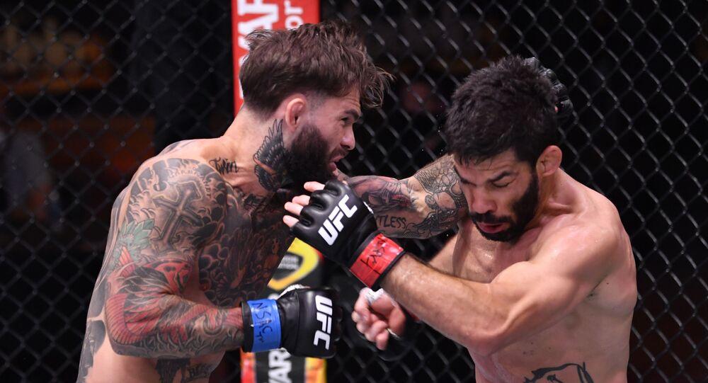 La pelea entre Cody Garbrandt y Raphael Assuncao