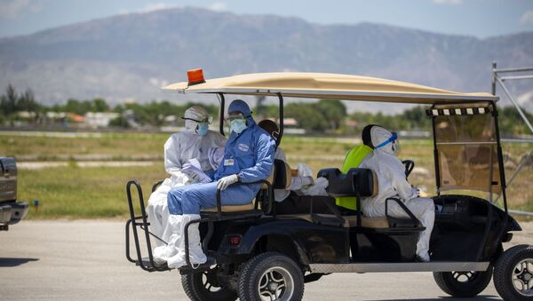 Médicos en Haití durante el brote de coronavirus - Sputnik Mundo