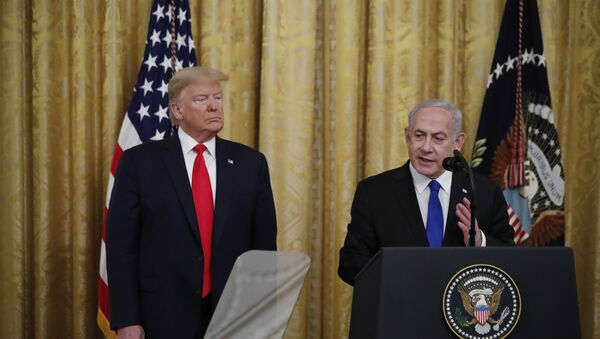 El presidente de Estados Unidos, Donald Trump, y el primer ministro israelí, Benjamín Netanyahu - Sputnik Mundo