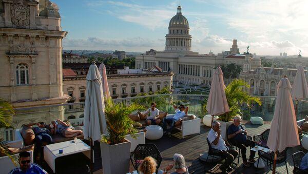 Café en una azotea en el centro de La Habana, Cuba (archivo) - Sputnik Mundo