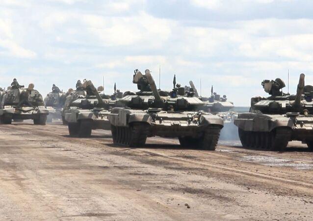 Comienza el entrenamiento del equipo militar antes del Desfile de la Victoria