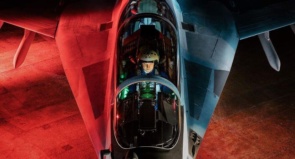 Dmitri Selivánov, piloto de pruebas del MiG-35