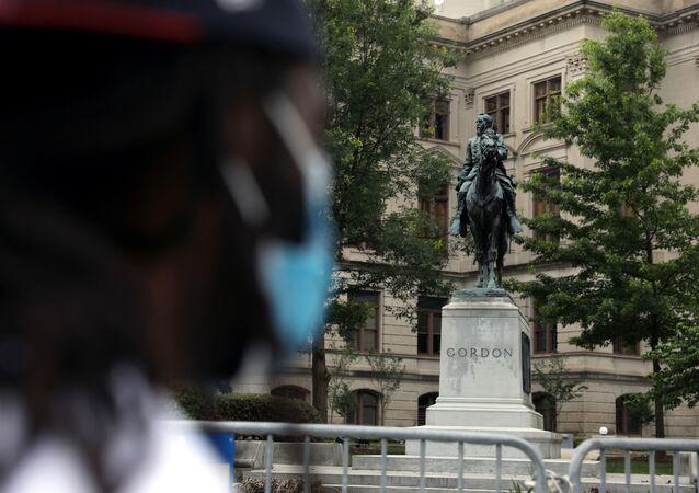 Monumento a un confederado John B. Gordon en Atlanta, EEUU