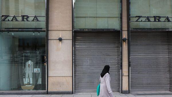 Tienda de Zara cerrada durante la pandemia por COVID-19 - Sputnik Mundo