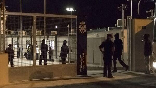Imagen de un centro de acogida temporal para inmigrantes en Málaga (referencial). - Sputnik Mundo