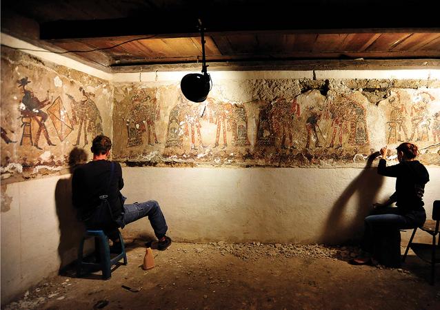 El trabajo de conservación de murales encontrados en Chajul