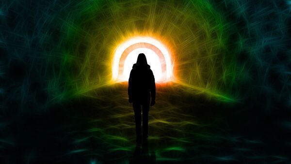 La luz al final del túnel (imagen referencial) - Sputnik Mundo