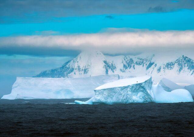 La Antártida (archivo)