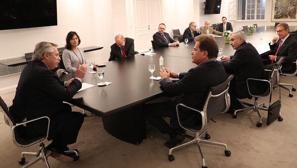 El presidente de Argentina, Alberto Fernández, reunido con el CEO de Vicentin, Sergio Nardelli - Sputnik Mundo