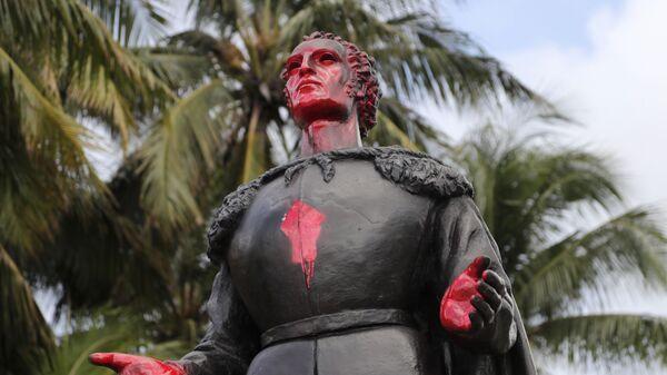 Una estatua de Cristóbal Colón en Miami - Sputnik Mundo