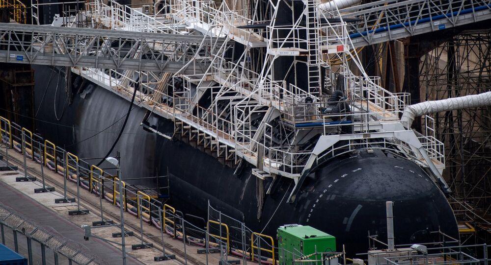 El submarino atómico Perle en Tolón