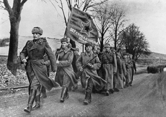 Los soldados soviéticos en Polonia (Archivo)