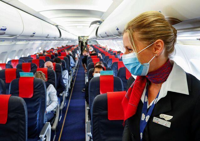 Una azafata del vuelo de Brussels Airlines (imagen referencial)