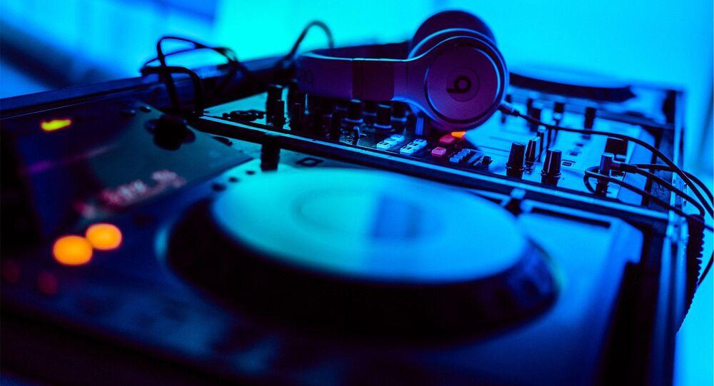 El equipo de un DJ (imagen referencial)