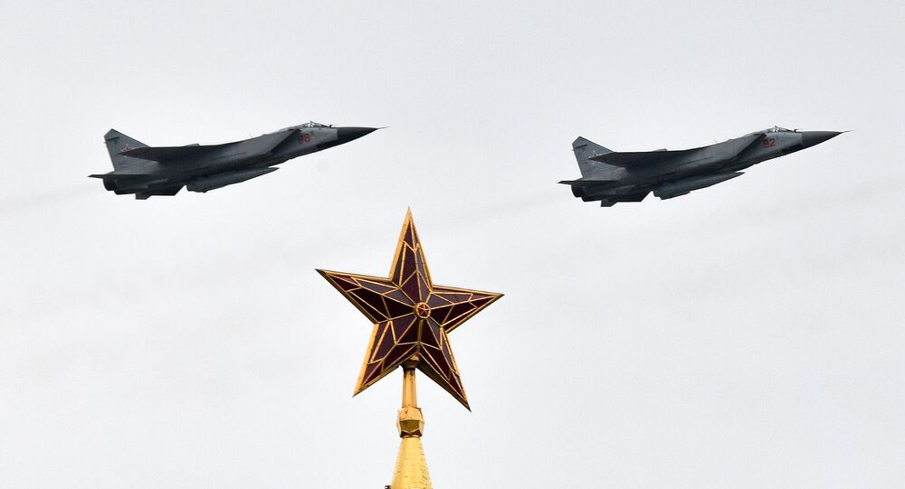 Cazas MiG-31K con misiles hipersónicos