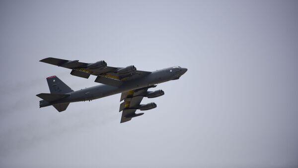 B-52H, un bombardeo estadounidense - Sputnik Mundo