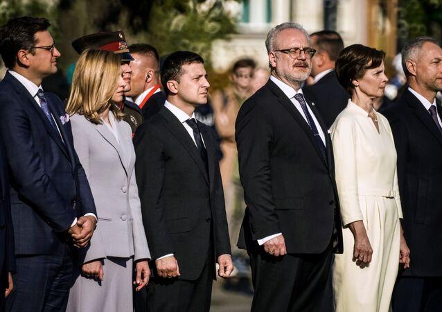 El presidente de Ucrania, Volodímir Zelenski, con su esposa Elena