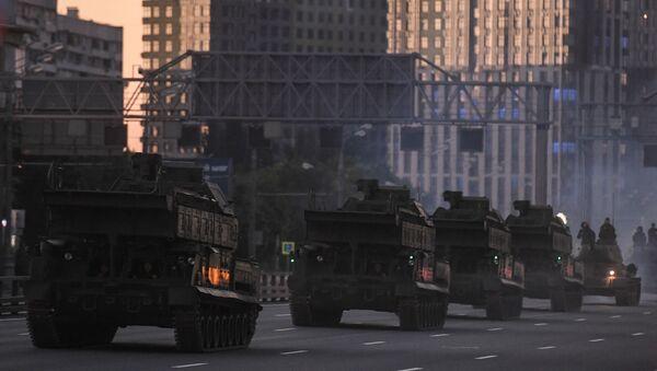 Equipo militar se desplaza a Moscú para participar en el Desfile de la Victoria - Sputnik Mundo