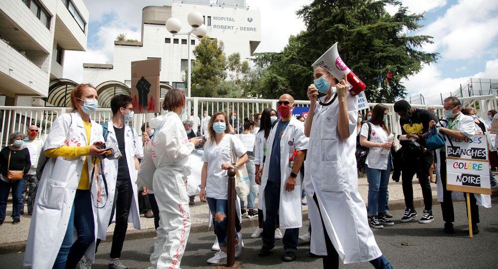 Las protestas del personal médico en París, Francia