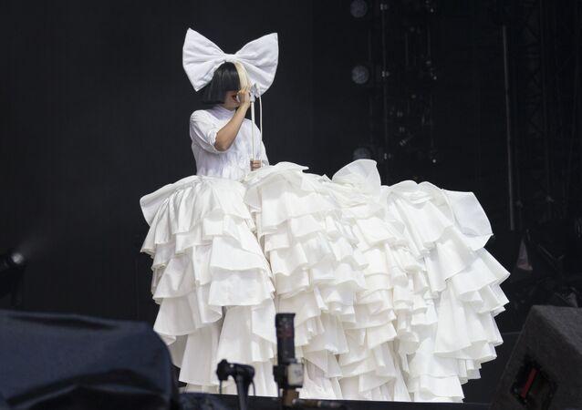 La cantante Sia