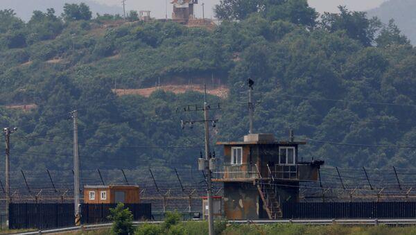 Punto de vigilancia norcoreano cerca de la zona desmilitarizada en la frontera con el Sur - Sputnik Mundo