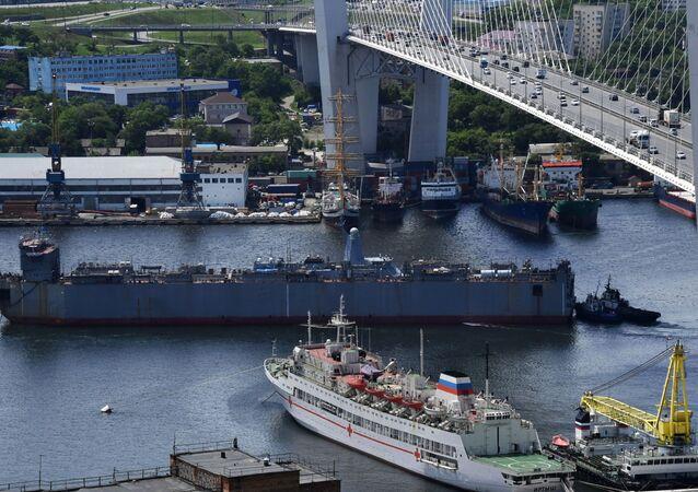 La novedosa corbeta rusa llega a Vladivostok para las pruebas finales