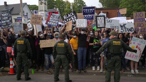 Protestas antirraciales en EEUU - Sputnik Mundo