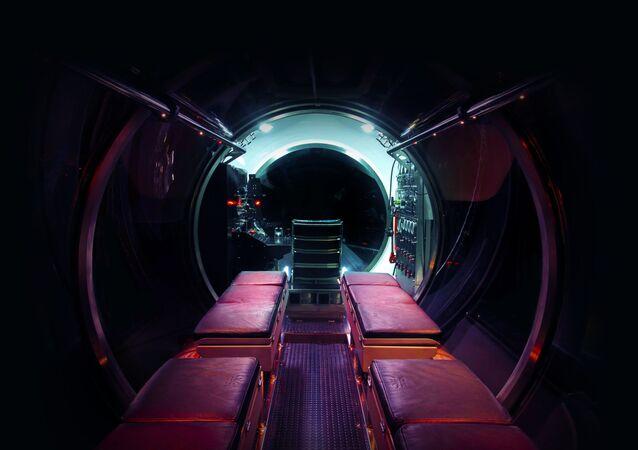 El interior del submarino turístico DeepView 24