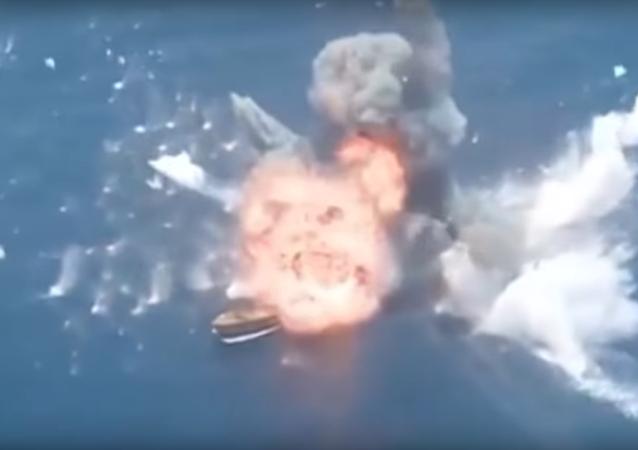Misiles iraníes destruyen unos barcos