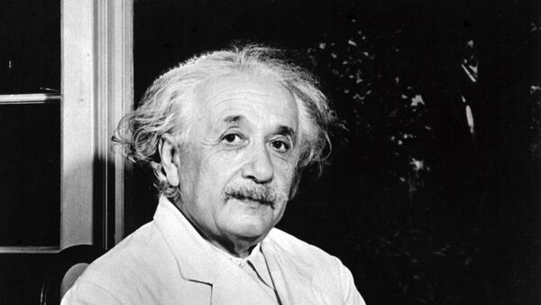 Albert Einstein, físico alemán nacionalizado estadounidense - Sputnik Mundo