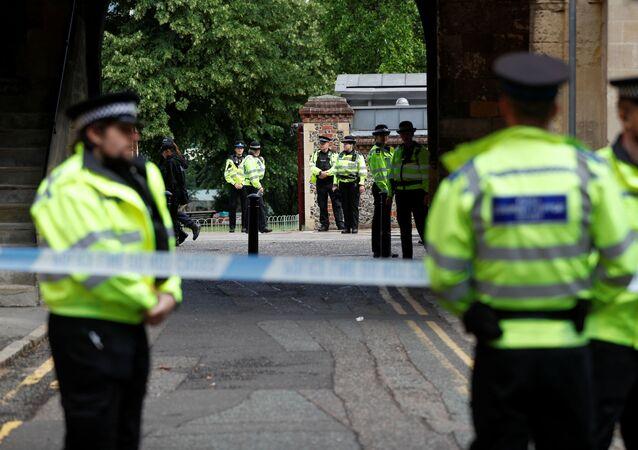 Agentes de la Policía en el lugar del incidente en Reading