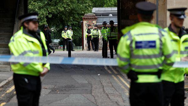 Agentes de la Policía en el lugar del incidente en Reading  - Sputnik Mundo