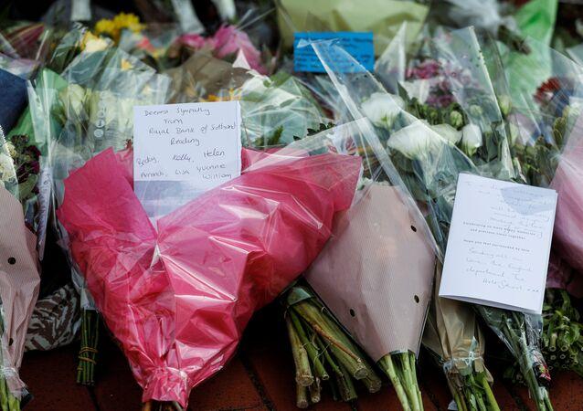 Homenaje a las víctimas del apuñalamiento en Reading, Reino Unido