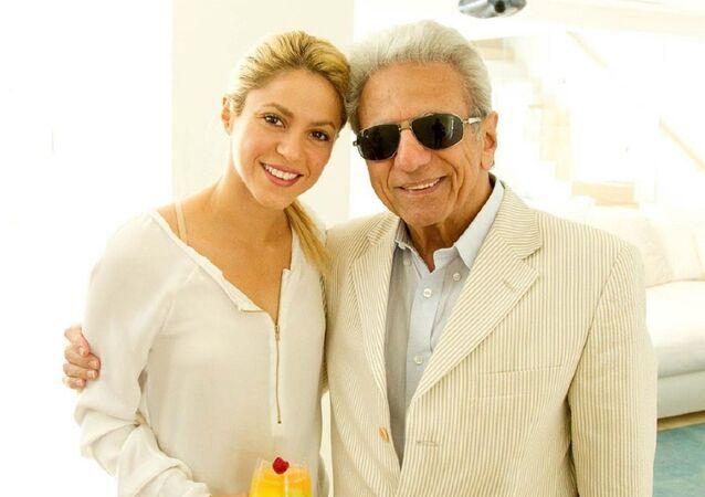 Shakira junto a su padre