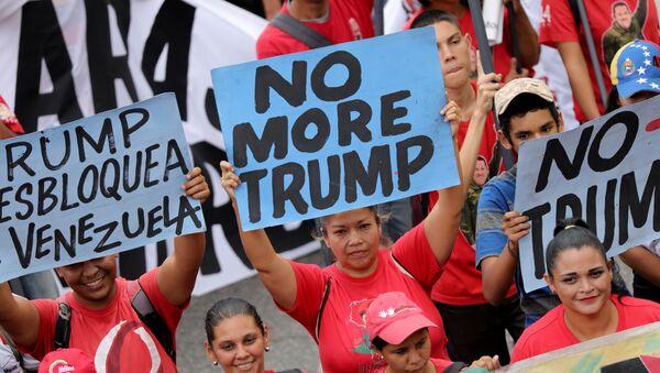 Protesta contra Trump - Sputnik Mundo