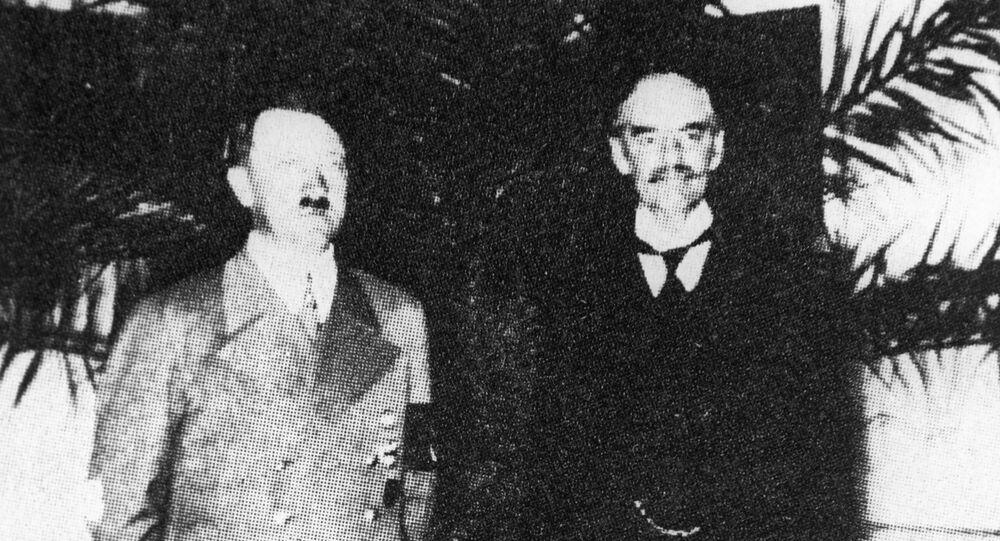 Líder de la Alemania nazi, Adolf Hitler, y el primer ministro del Reino Unido, Neville Chamberlain