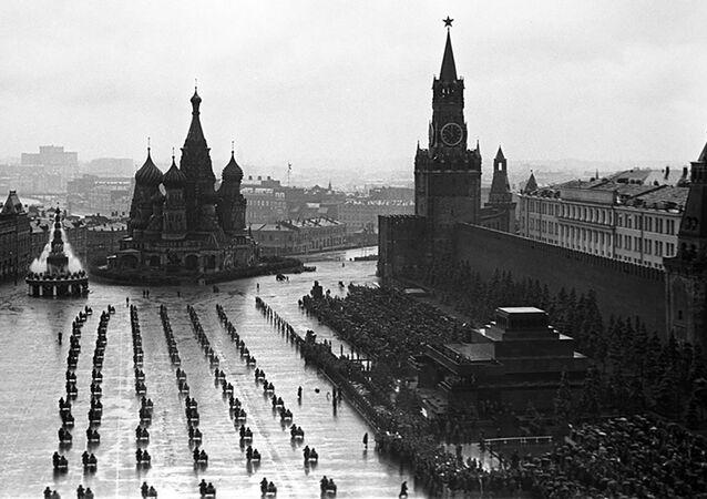 Histórico e inolvidable: así fue el primer Desfile de la Victoria