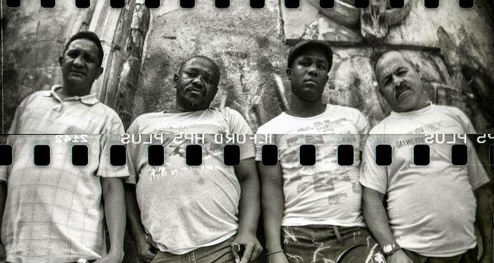 'Bastardos con gloria', fotografía estenopeica