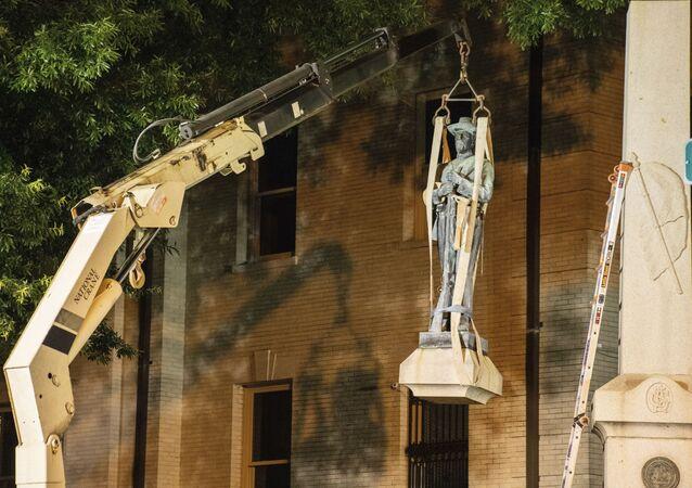 Estatua del confederada en Greenville, Carolina del Norte, EEUU