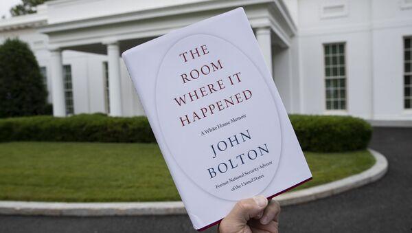 Libro John Bolton - Sputnik Mundo