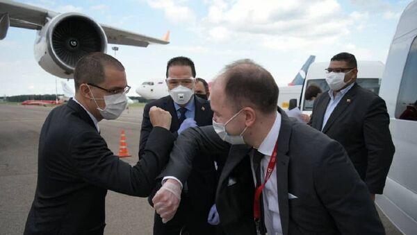 Jorge Arreaza, canciller de Venezuela tras arribar a Moscú, Rusia - Sputnik Mundo
