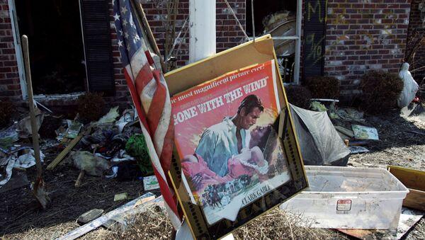 Un póster de la película 'Lo que el viento se llevó' - Sputnik Mundo