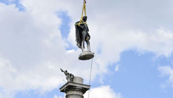 Estatua del expresidente de EEUU John C. Calhoun en Charleston - Sputnik Mundo