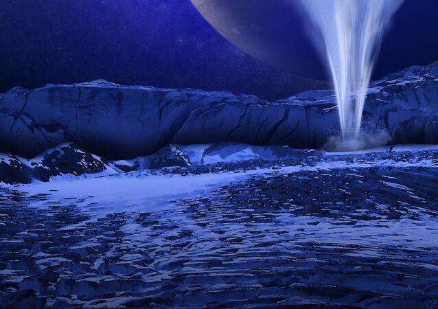 La superficie de la luna Europa con Júpiter en el fondo (ilustración)