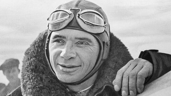 Kokkinaki, el 'rey de los récords' de la aviación soviética - Sputnik Mundo