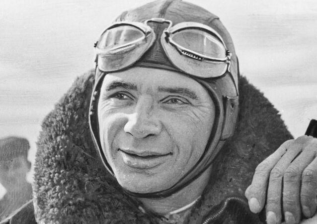 Kokkinaki, el 'rey de los récords' de la aviación soviética